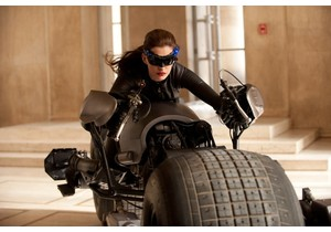 Anne Hathaway as Catwoman_The Dark Knight Rises review