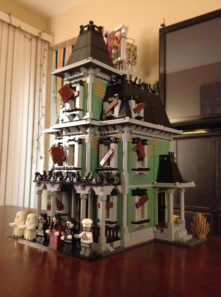 LEGO_monster haunted house