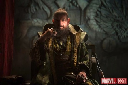 Iron Man 3_Ben-Kingsley-The-Mandarin_Marvel