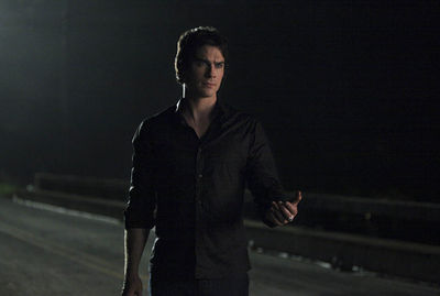 The Vampire Diaries_S3E6_We All Go a Little Crazy Sometimes_Damon on the Bridge
