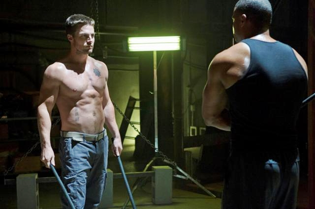 Arrow_The CW_Legacies_S1E6_Oliver and Diggle Training