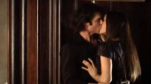 The Vampire Diaires_The CW_S4E7_My Brother's Keeper_Elena and Damon makeout