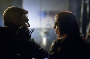 Arrow_S1E8_Vendetta_The CW_Oliver and Helena making out