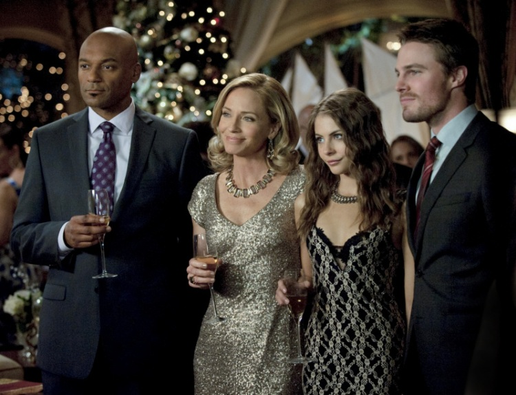 Arrow_The CW_S1E9 A Year's End_Christmas Party