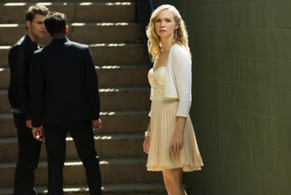 The Vampire Diaries_The CW_S1E9_O Come All Ye Faithful_Hybrids Surrounding Caroline and Stephan