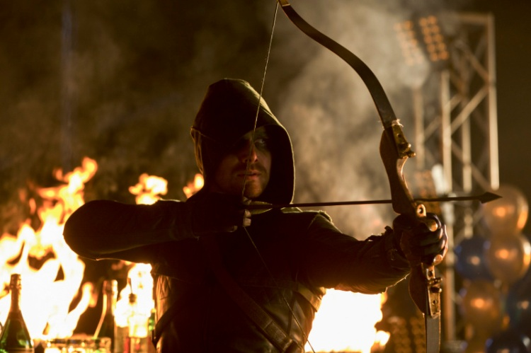 Arrow_S1E10_The CW_The Hood is Back