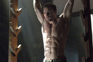 Arrow_The CW_Stephen Amell_Abs