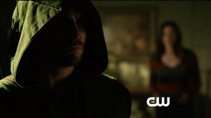 Arrow_S1E10_The CW_Burned_Laurel and The Hood